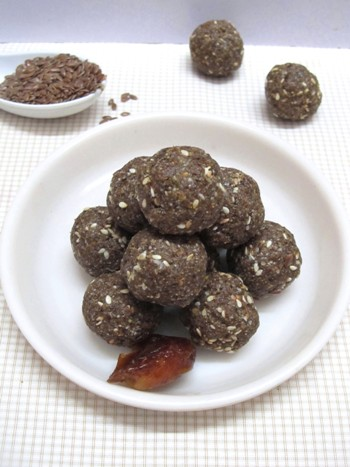 Dates Sesame and Flax Seeds Laddu Recipe / Kharjur Nuvvula Laddu - Laddu Recipes