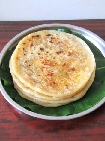 Kandi Pappu Bobbatlu Recipe / Toor Dal Poli / Thogari Bele Holige - Ugadi Special Recipe